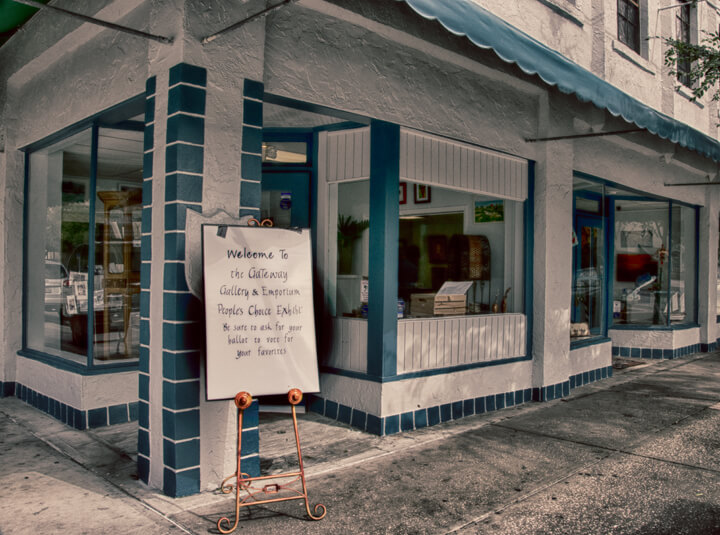 The New Gateway Gallery and Emporium in New Port Richey, FL