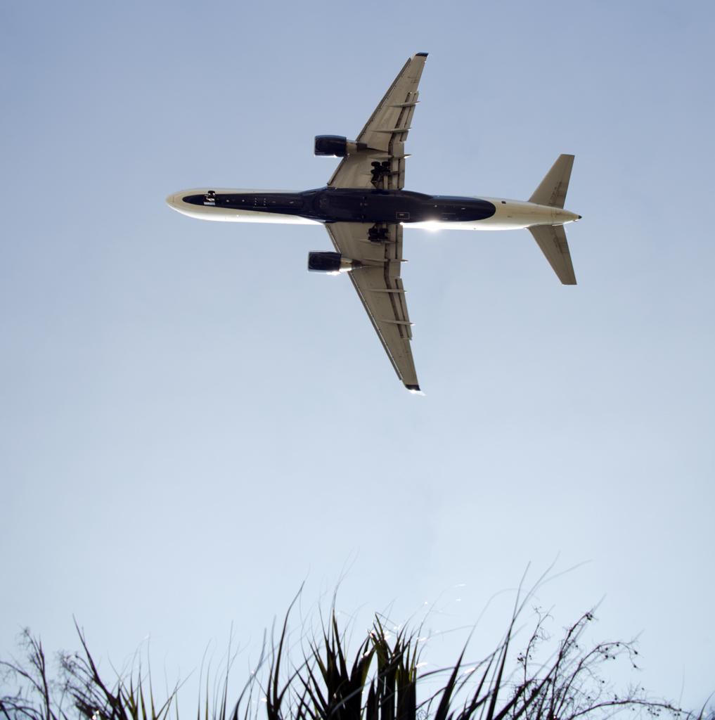 jet-plane-flying